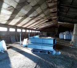 Aménagement des bâtiments en attendant l'arrivée des chevrettes